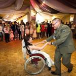 zdjęcia ślubne, Panna Młoda na wózku inwalidzkim